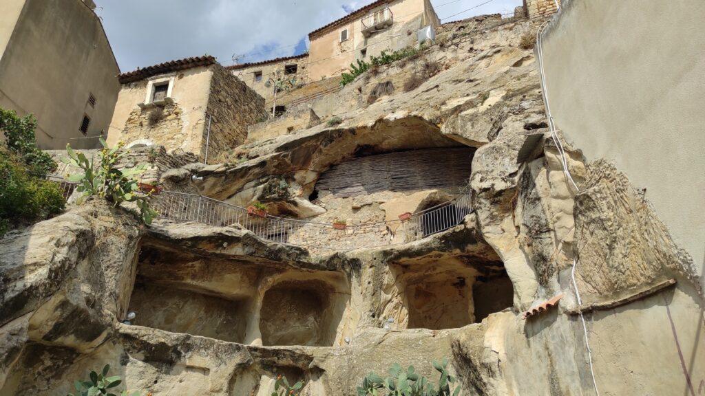 La rocca in uscita da Sperlinga