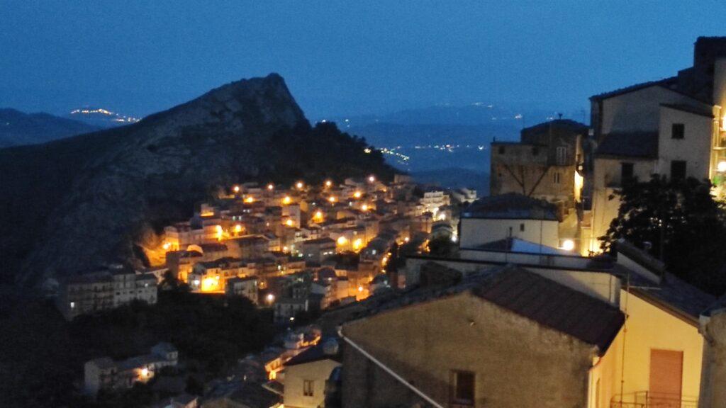 """Vista del quartiere """"Timpa"""" a Troina"""