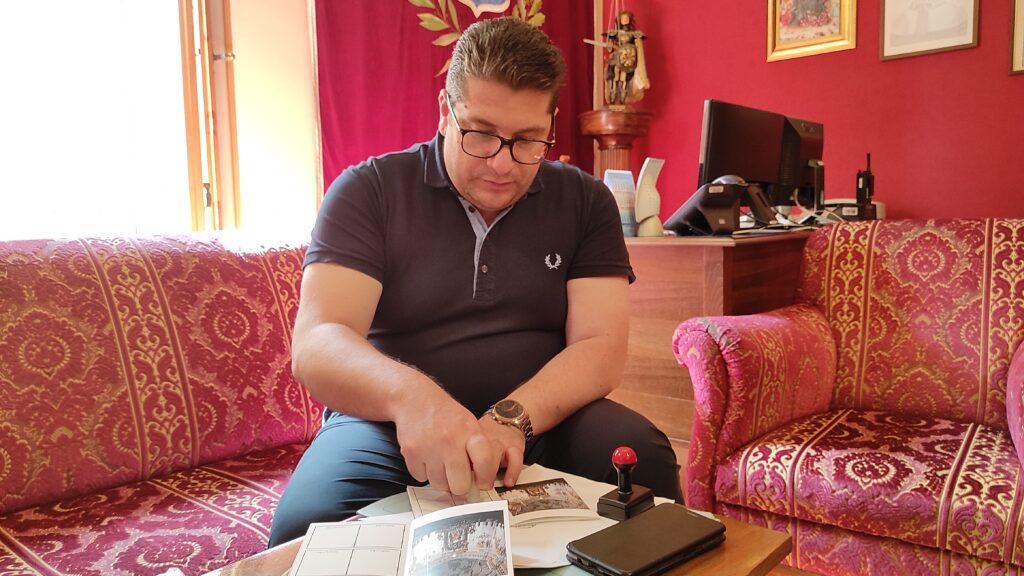 Il sindaco Fabio Venezia sigla la credenziale